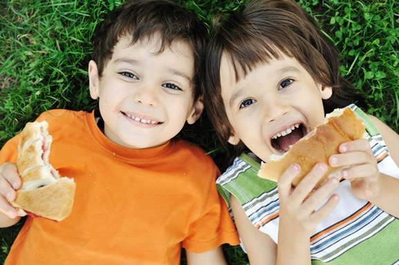 5 Tooth-Friendly Snacks to Serve Your Kids